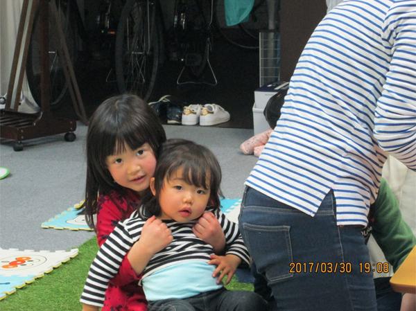 この2人姉妹ではないのですが・・・すっかりおねぇちゃんしてくれています~☺
